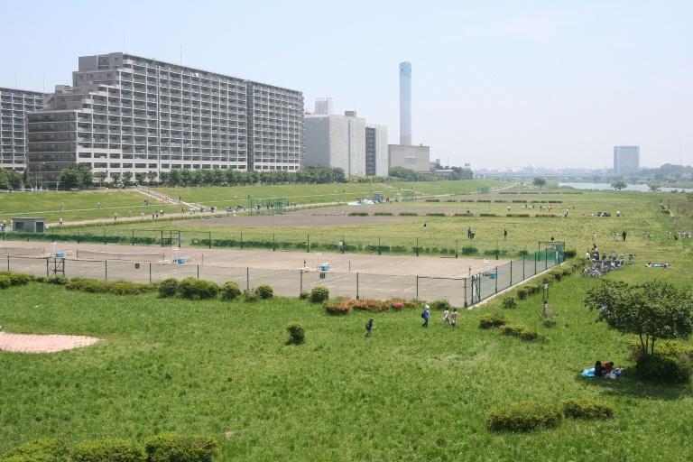 多摩川ガス橋緑地テニスコート