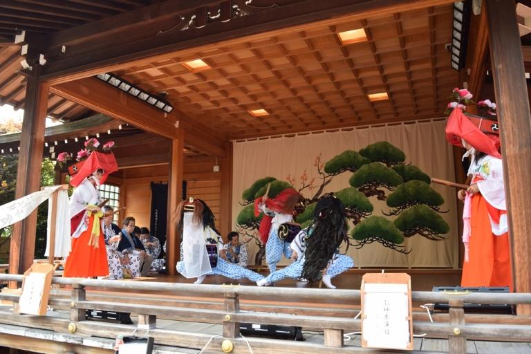 子ども獅子舞(六郷神社)
